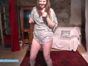 Chubby czech chick does stripshow and fuck