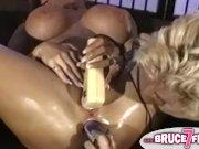 Дрочка в масле - секс прекрасный