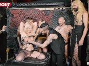 Российская блондинка Анджела Видэл в ее первом BDSM порно