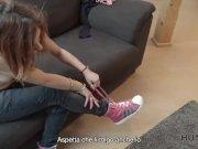 HUNT4K. Jenifer Red allarga le gambe e si fa scopare per soldi