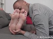 Black dude licks feet and sucks on toes while jerking off