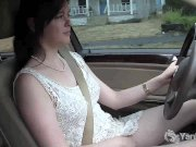 Yanks Babe Savannah Sly Masturbates In The Car