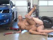RIM4K. Well-rounded hottie tastes asshole of tired car mechanic