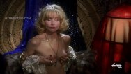 Naked in barn - Priscilla barnes - mallrats