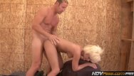 Surfer deepthroat - Hdvpass kelly surfer sucks off a cop outside