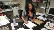 Xxx over 40 - Mature latina hanjob at the office