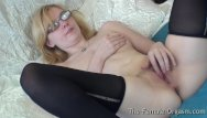Amateur coed tubes - Pure finger rubbing masturbating coed with