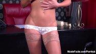 Nicole camwithher masturbates - Nicole aniston rubs her wet pussy