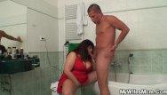 Moms screwing teen boys He screws busty girlfriends mom in bathroom