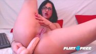 Sexy free live webcam girls - Sexy girl with glasses makes her pussy cream