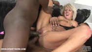 Mature anal pussy - Sexy milf hard pussy fucking in interracial threesome