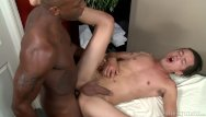Hung interracial gay Extrabigdicks hung masseur gets in clients ass
