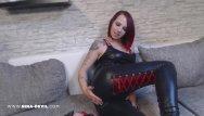 Erotic wetlook - Striptease in wetlook leder legging