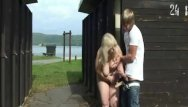 Area forest mature retention Granny is banged in the public area