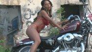 Body building girls porn Tough girl shows off her luscious body