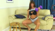 Adult fitness functional older - English milf lelani gets turned on in fitness outfit
