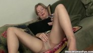 Crossdresser pantyhose video My favorite videos of american moms in pantyhose: lauren, jamie and lilli