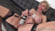 Sonia carrere pussy - Milf sonia makes her pussy squirt while being tied up