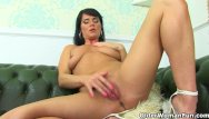 How do i clean my penis English milf leah rather rubs her fanny than do cleaning