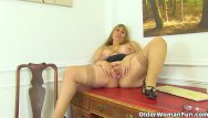 Pornstar gallies - British milf gilly dildos her shaven fanny for us