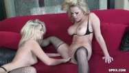 Cheerleaders get eatin out xxx - Blondes getting wild as they eat out pussies lesbo style