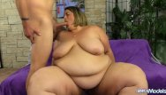 Amateur greenguy Hefty honey erin green shows off her fat body and blows and screws a guy