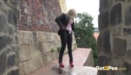 Girls caught peeing forum - Blonde nearly gets caught wetting her panties in public