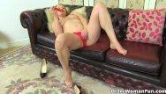 Woman feeling pussy - British milf lelani craves that stuffed fanny feeling