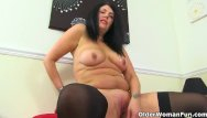 Shaved fanny English milf sassy lets us enjoy her juicy fanny