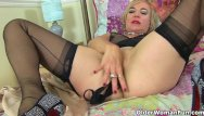 Vintage cartoon mouse British milf mouse loves to stuff her fanny with things