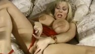 Strip off wives Amateur hairy housewife gets off