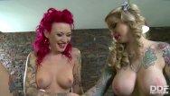 Lisa holt sex tape - Tattooed billiard babes becky holt belle black lick their high heels