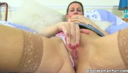 Finger woman ass English milf eva jayne works her fanny with fingers