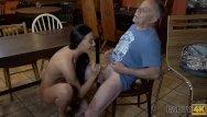 Sex dem tigung Daddy4k. alter mann verfuhrt die freundin seines sohnes zum sex auf dem tis