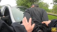 Auto metal paint strippers - Law4k. los policías atrapan al ladrón de autos y le enseñan una lección