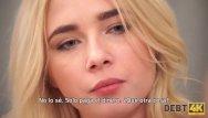 Teen girl quizzes Debt4k. la peluquera rubia quiere comprar muebles, por qué debería follar