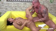 Pussy covers up penis toy Gorgeous jennifer mendes loves to get covered in piss