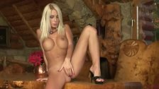 Platinum blonde doing her pussy