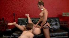 3 блондинки лесбиянки дрочат