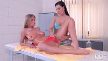 Stunning Glamour Lesbians Oil Massage with intense Orgasms & 69