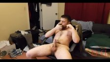 Thedudewhoasdude does some poppers training!