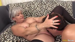 Golden Slut – Older Beauties Licked and Fingered Compilation