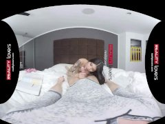 RealityLovers VR - Asian College Teen Brenna Sparks