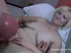 Amateur wife has her pussy pounded in a hotel room
