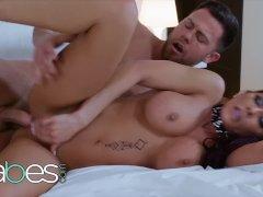 Big tit housewife Madison Ivy cheats pays handyman - BABES