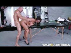 Busty MILF Eva Notty fucks her masseur - Brazzers