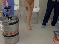 Anal Hottie Pumps Keg With Her Ass