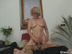 Lonely Old Granny Pleasing an  Sexy Stud