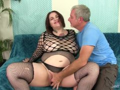 A Guy Worships Plumper Nova Jade's Gigantic Body And Then Fucks Her Hard