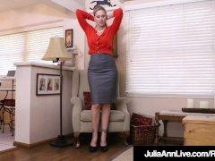 Busty Cougar Julia Ann Faux-cock Drills Her Fleshy Pussy!